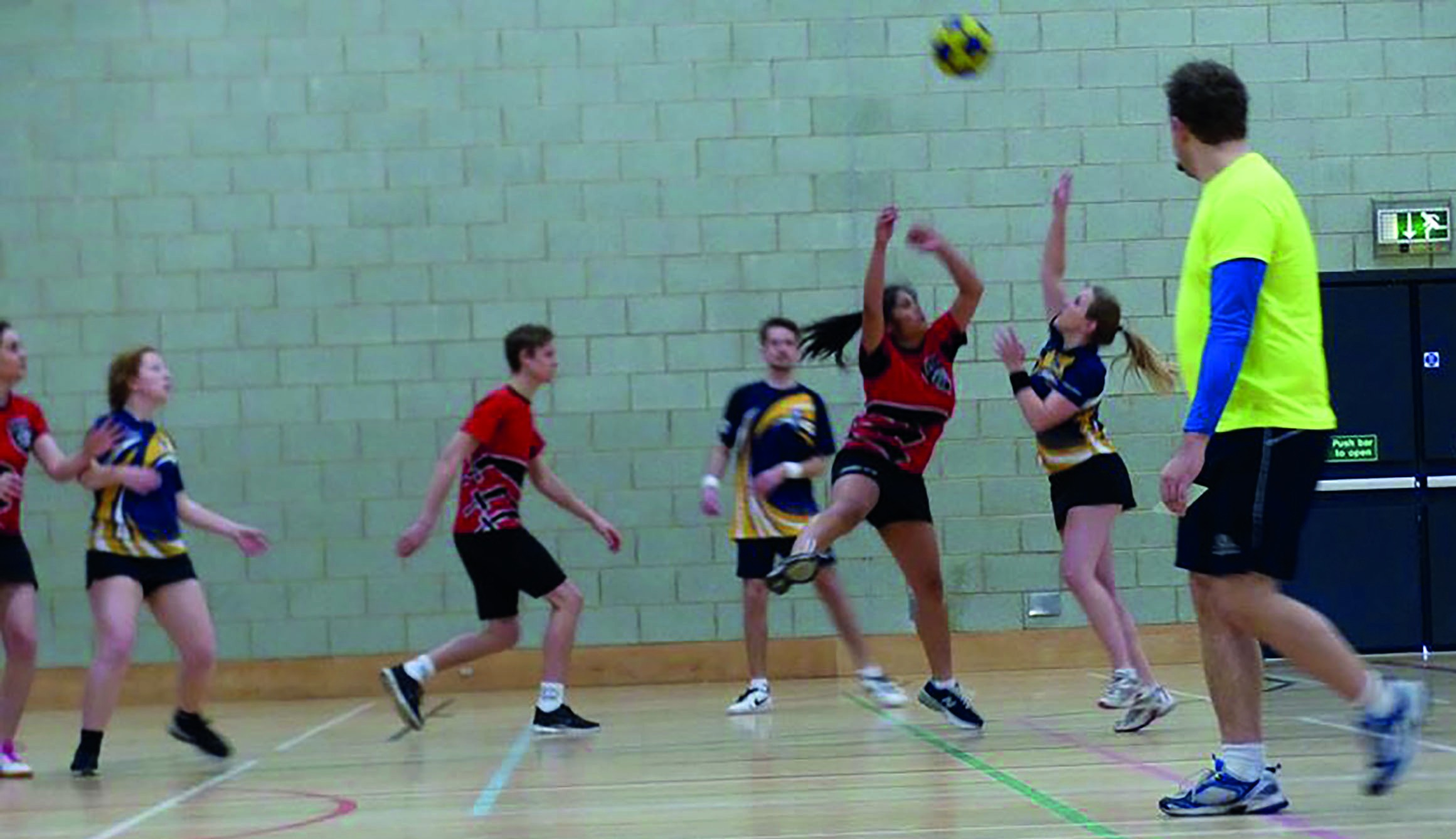 Korfball. Photo: Camille Koosyial