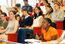 Photo: commons.wikimedia.org, Tulane Public Relations - Student in Class