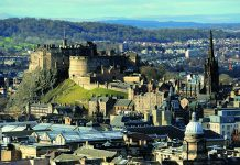 Edinburgh Castle, Photo- Safron Blaze, Wikipedia
