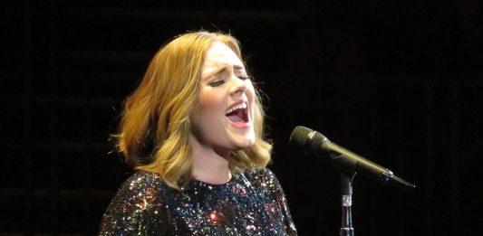 Adele: commons.wikimedia.org, Egghead06