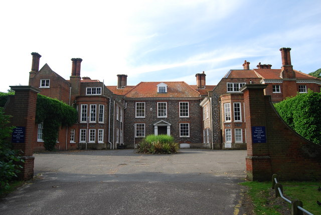 earlham hall n chadwick geograph