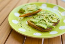 avocado toast by Nora Kuby on flickr
