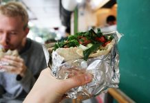 falafel pitta by Charlie Marchant on flickr