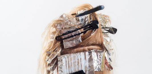 hair dye / bleach by silviaita on pixabay