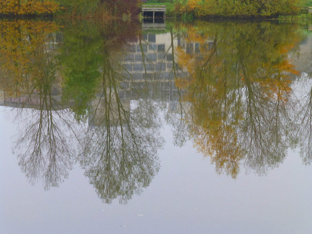 ziggurat reflection in the lake by mira66 on flickr