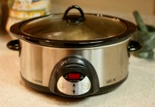slow cooker by Bunches and Bits {Karina} on flickr