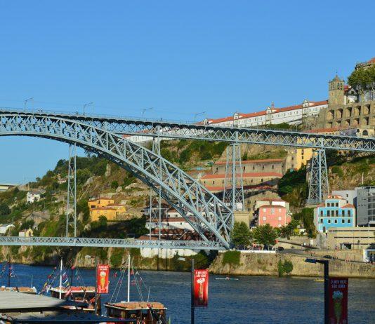 porto portugal by delgadoalvares on pixabay