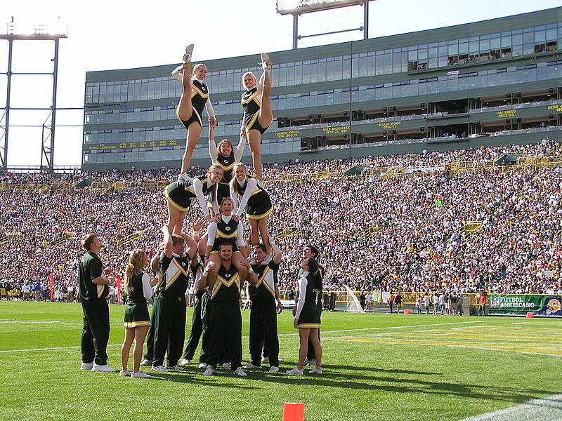 Cheerleading Stunt. Photo: Mandehlin, Wikimedia