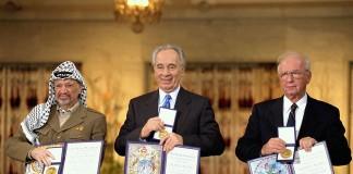 Key Figures of the Oslo Peace Accords reieved Nobel Peace Prize (L:R: Yassar Arafat, Shimon Peres, Yitzhak Rabin) Photo: Wikimedia, Saar Yacov