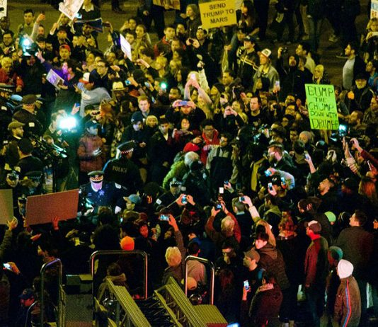 Protest at Trump rally in Chicago Photo: Wikipedia, nathanmac87