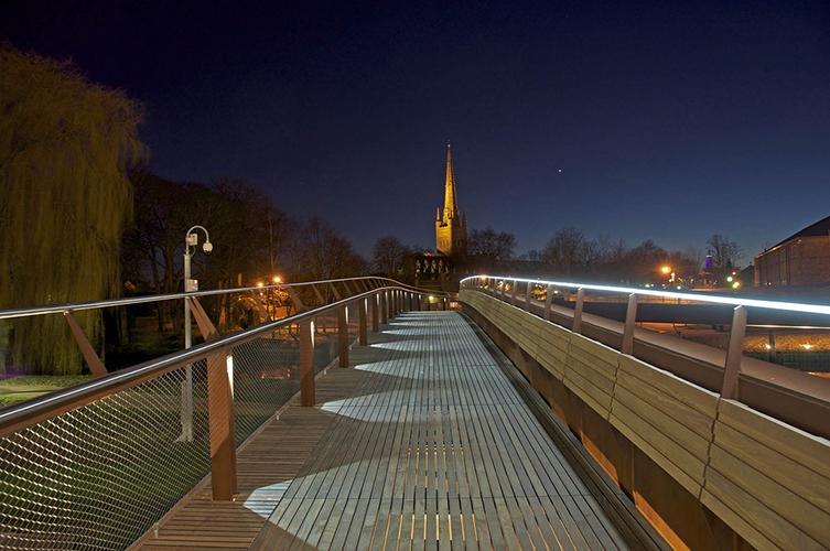 Norwich: flickr.com, mira66