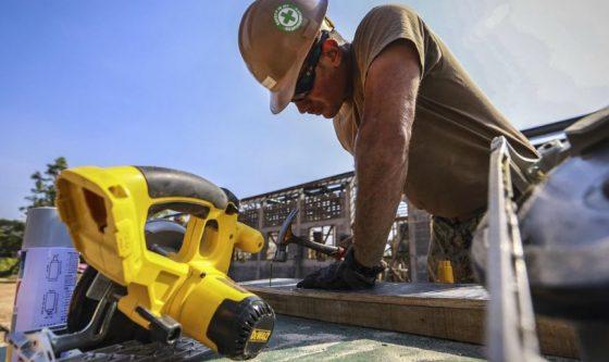 Builder donates £1 million to student scheme